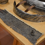 Collare in cotta di maglia e lama di batticulo (originale)