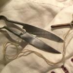 Replica di cesoia da rammendo e cucito